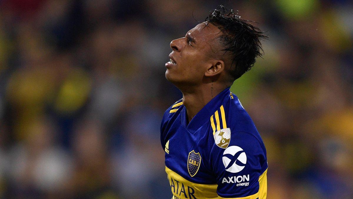 Colombia llama a su selección a jugador acusado de violentar a su pareja