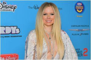 Conoce la sencilla, pero espectacular nueva mansión de Avril Lavigne en Malibú