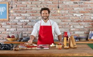 Fans de 'Un Nuevo Día' de Telemundo explotan contra el Chef Oropeza en su debut