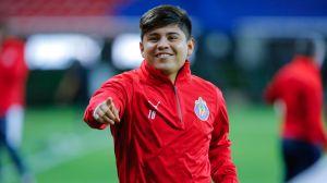 Fútbol de estufa: 'Chofis' López seguiría con Chivas para el siguiente torneo