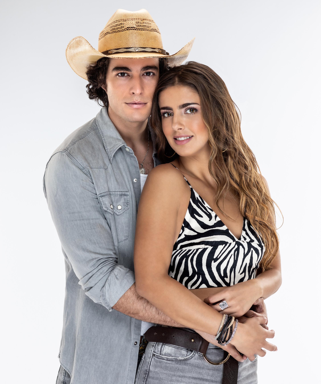 Danilo Carrera y Michelle Renaud protagonizan 'Quererlo Todo'
