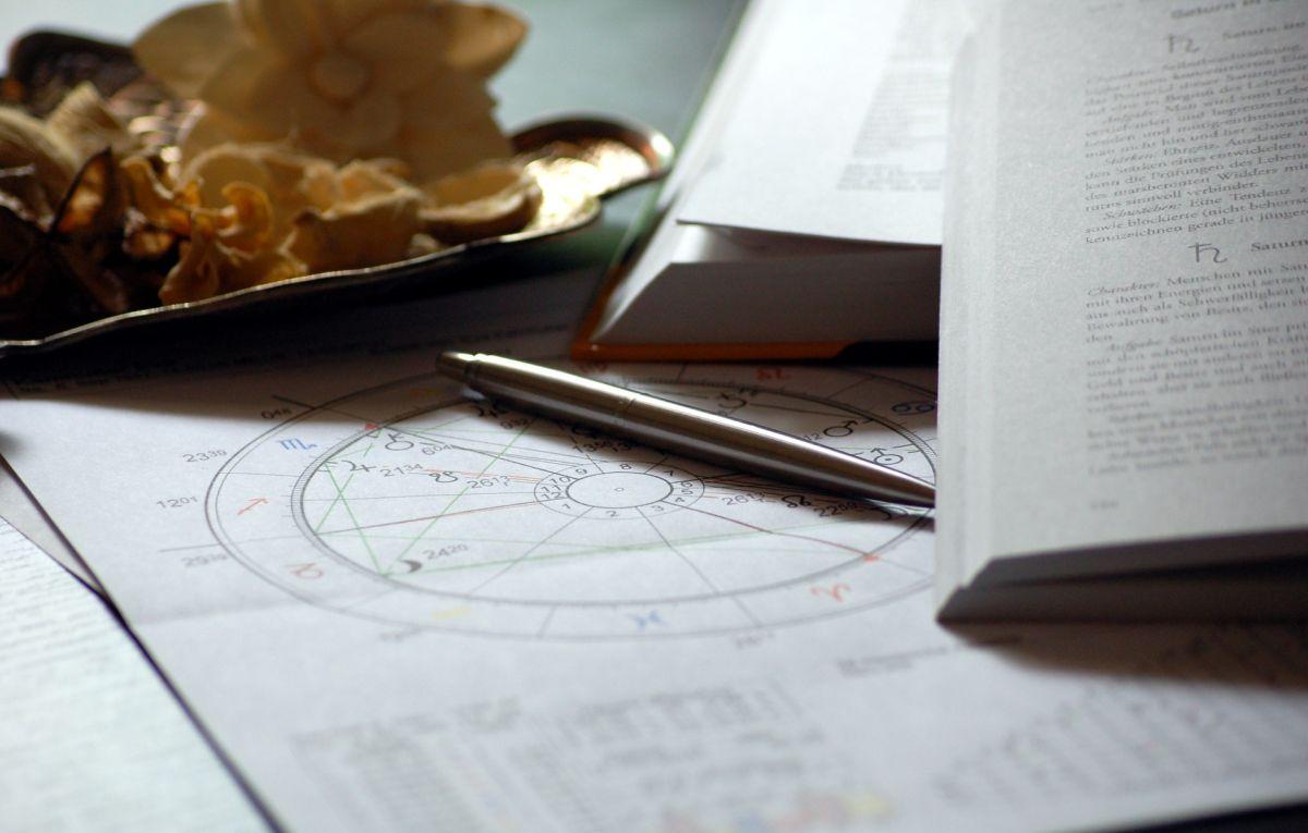 Libros en español para aprender sobre astrología y que te conquistarán