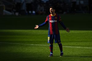 """Un mundo de homenajes a Diego: Leo Messi quiso aplicarle """"La Mano de Dios"""" al Osasuna"""