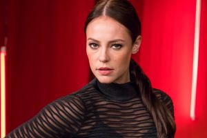 Sin ropa interior, Paolla Oliveira la actriz de 'Dulce Ambición' de Univision deja ver su retaguardia desnuda