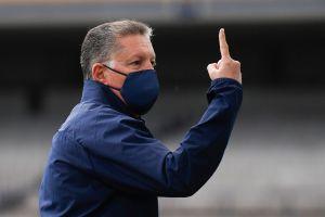 Ricardo Peláez critica a la defensa y delantera de Chivas previo al Clásico