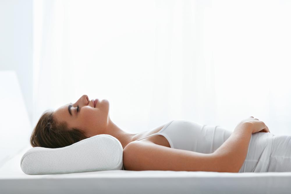 Las mejores almohadas ortopédicas para cuello que le dan soporte a la columna