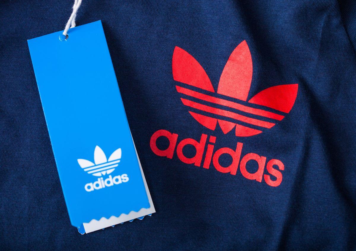 Ropa y tenis Adidas en oferta por Black Friday