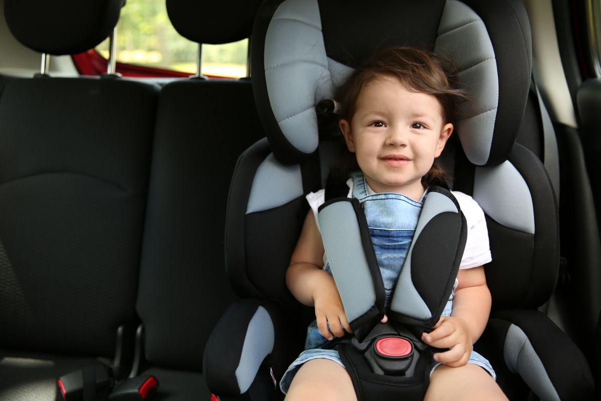 Los mejores asientos de bebé económicos pero seguros para tu auto