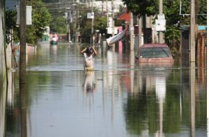 Crece a 900,000 afectados por inundaciones en Tabasco México