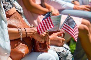 A partir de hoy, inicia el nuevo examen para naturalizarse estadounidense