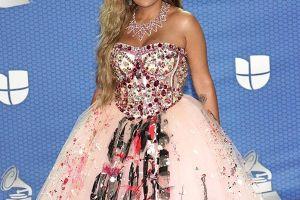 Jomari Goyso defiende a Karol G de los comentarios destructivos por su vestido en los Latin Grammy