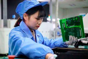 """Por qué la economía china """"sobrepasará"""" a la de Estados Unidos en 2028 (cinco años antes de lo previsto)"""
