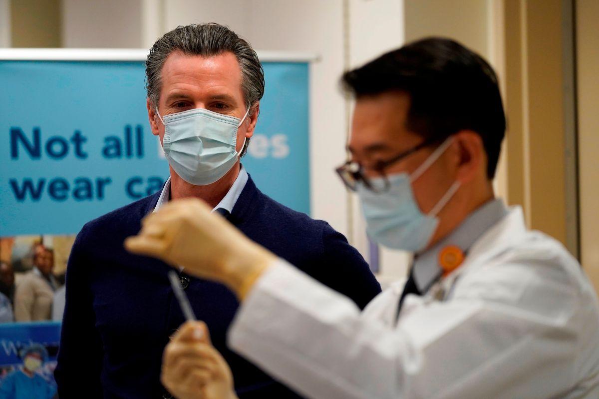 Esto es lo que sigue en California ahora que se empezó a suministrar la vacuna contra el COVID-19