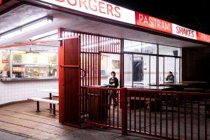 Cierre de restaurantes en el Condado de Los Ángeles: ¿Es una medida necesaria?