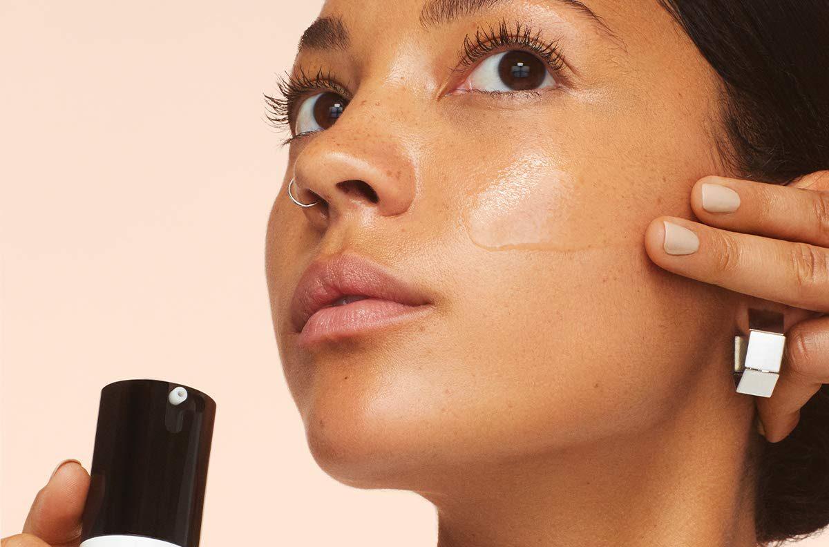 Los 5 mejores primers para tener un maquillaje duradero sin efecto acartonado