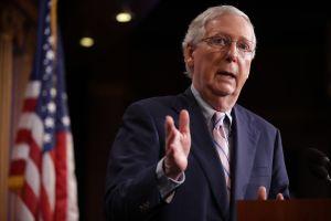 Mitch McConnell se opone al nuevo plan de ayuda de $900,000 millones