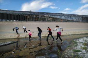 """21 fiscales de Estados Unidos denuncian regla del gobierno de Trump que representa la """"muerte del asilo"""""""