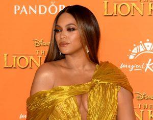 Los detalles de los costosos leggins de oro de Beyoncé