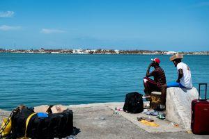 Desaparece una embarcación con 20 personas al sur de Florida. La Guardia Costera lleva días buscándola