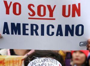 Especialistas alertan por discriminación de hablantes del español en EE.UU.