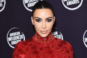 Seguridad de Kim Kardashian investiga a hombre que le envió un anillo de diamantes y anticonceptivo de emergencia