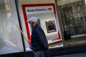 Bank of America calcula que el fraude en prestaciones por desempleo en California fue de $2,000 millones