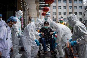 Filtran en China documentos que revelan mal manejo del coronavirus en sus inicios, según CNN