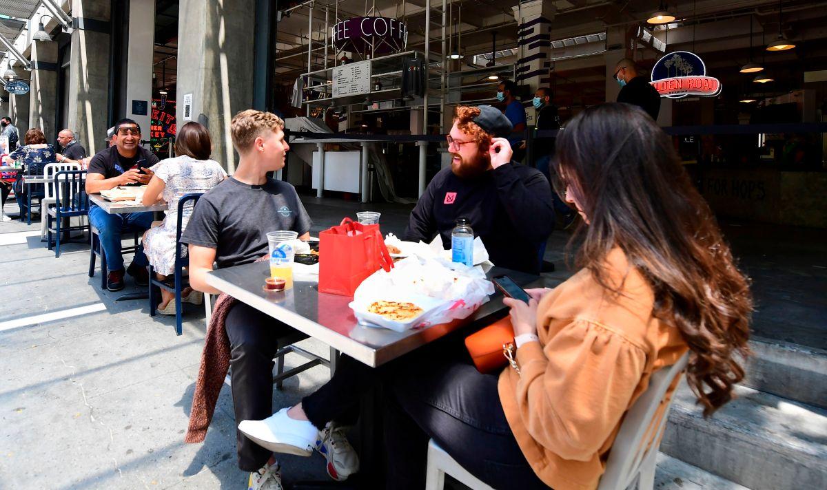 Corte de Apelaciones asegura que el cierre de restaurantes de Los Ángeles puede continuar indefinidamente