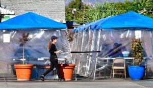 Desesperada dueña de restaurante acusa injusticia de autoridades de Los Ángeles