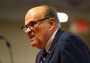 Tribunal suspende la licencia de abogado de Rudy Giuliani por sus denuncias falsas de fraude electoral