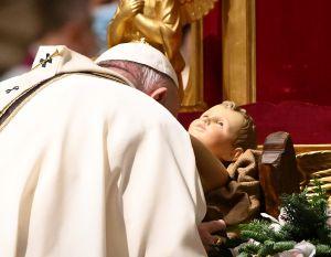 Papa Francisco en Navidad: el nacimiento de Jesús trae esperanza en tiempos difíciles