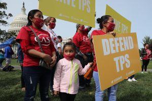 Presidente de Honduras pide a EE.UU. ampliar el TPS durante visita a Washington