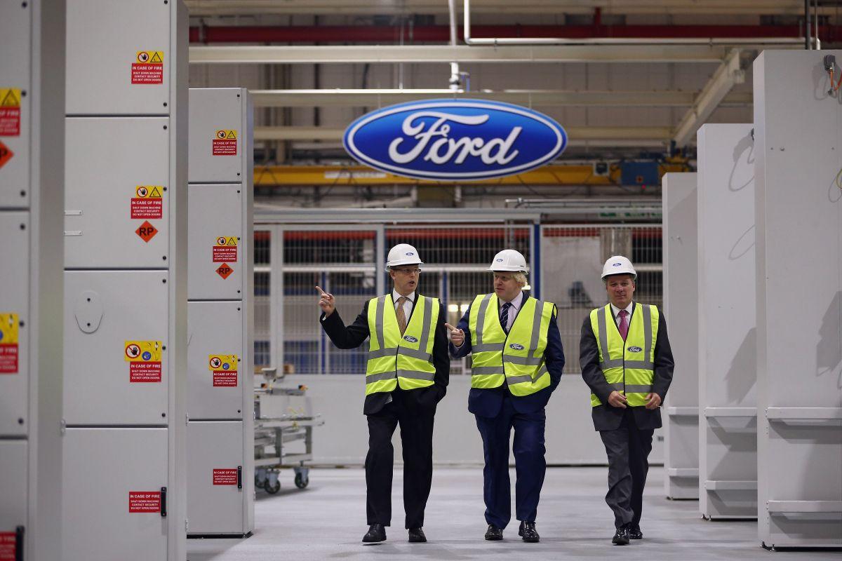 Pese a la adversidad, los empleados de Ford con más de un año de antigüedad seguirán recibiendo el 75% de su salario bruto.