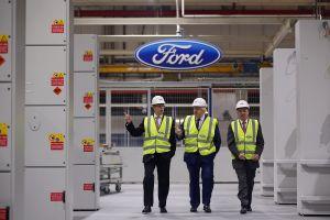 Por qué GM y Ford están despidiendo empleados  en Kansas City