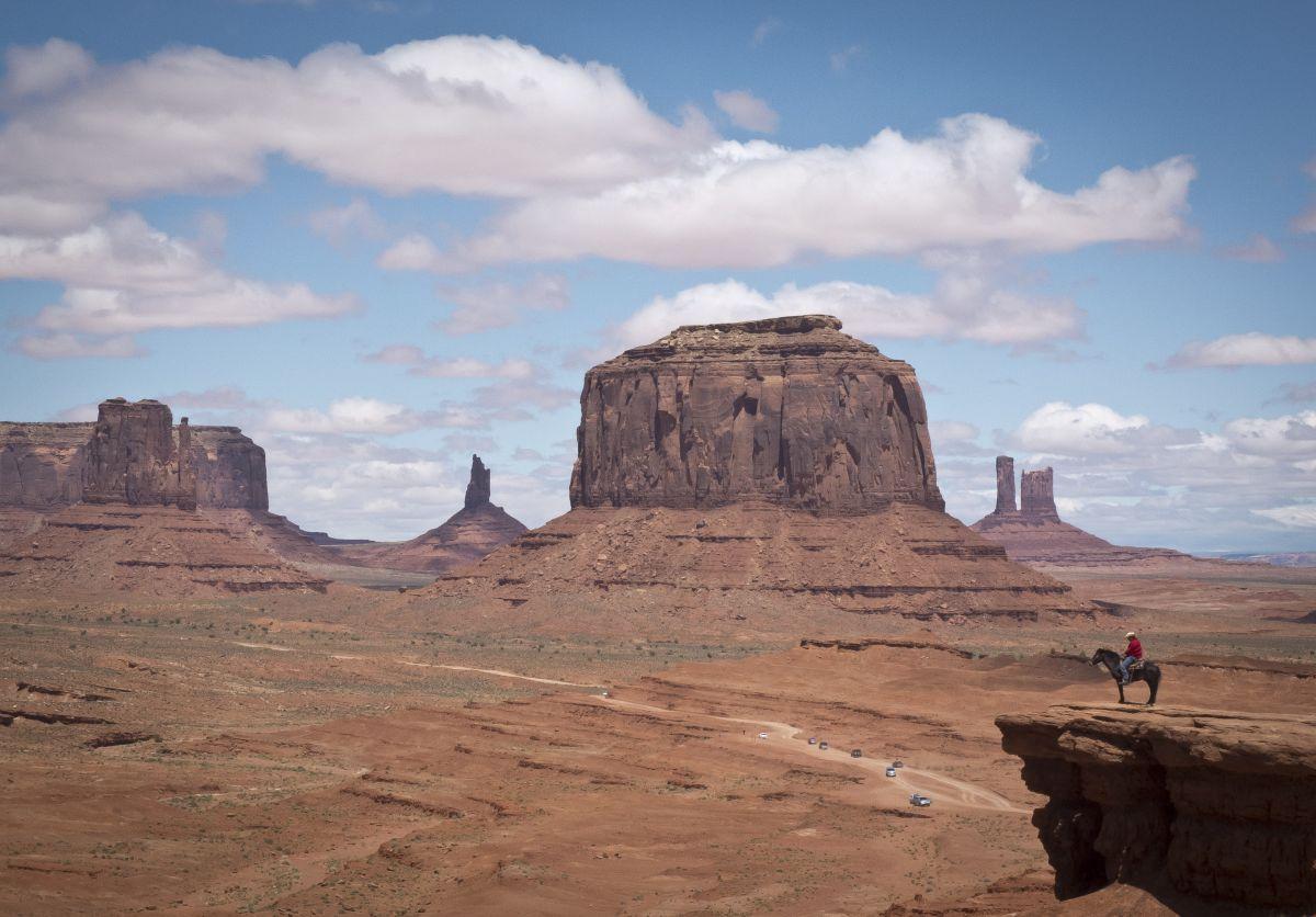 El primer monolito fue hallado en el desierto de Utah.