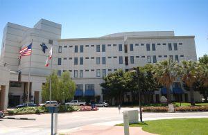 Paciente internado por COVID-19 en California atacó o otro con un tanque de oxígeno y lo mató