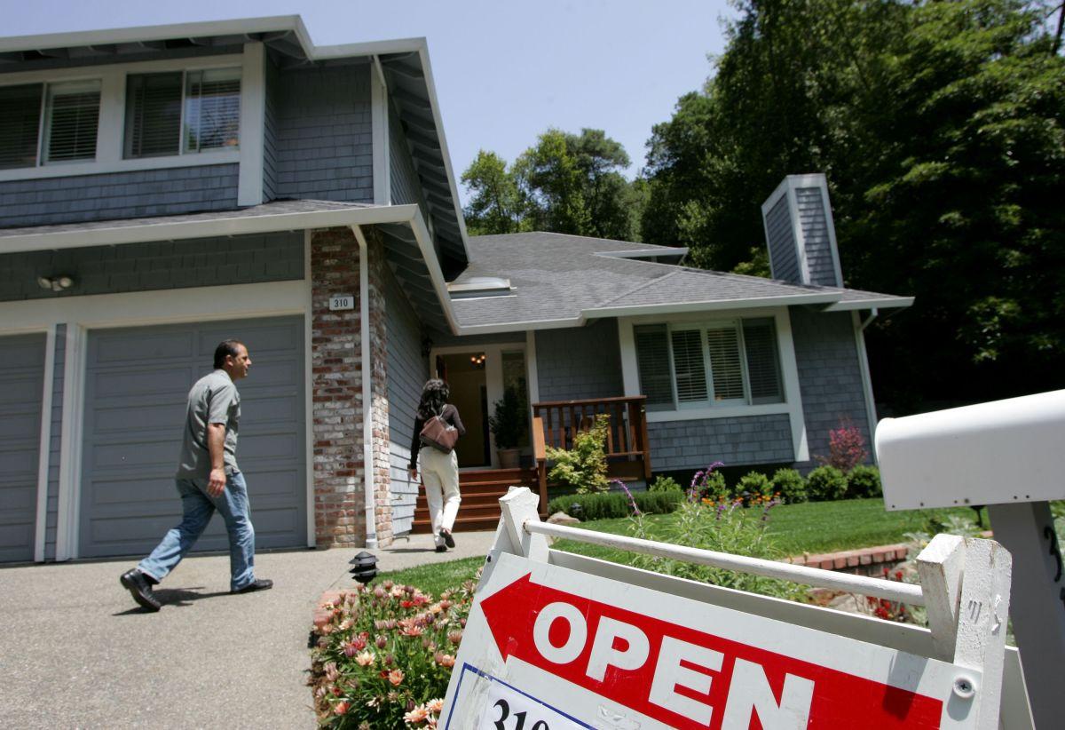 A pesar de la crisis y los que se mudan del estado, los precios de las viviendas en California siguen subiendo