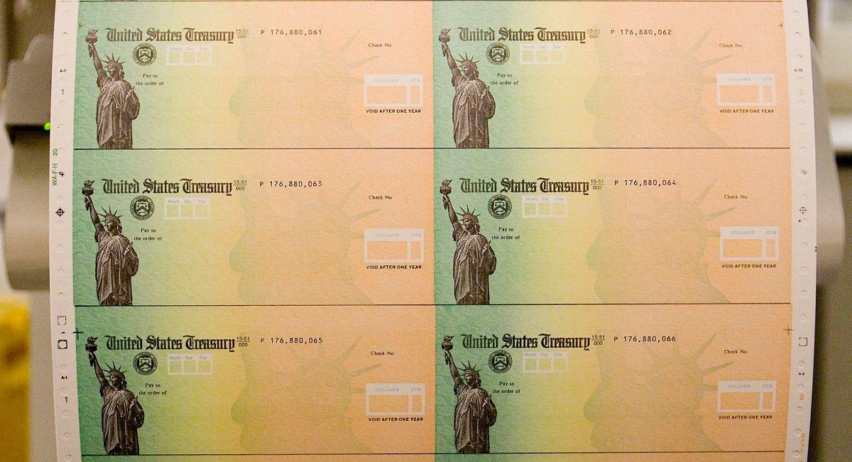 ¿Qué fue lo que se aprobó en la Cámara de Representantes y cuándo se entregaría el tercer cheque de estímulo?