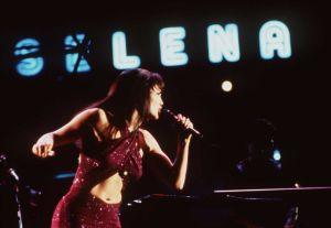 Christian Serratos, JLo y más: Las actrices que han interpretado a Selena Quintanilla