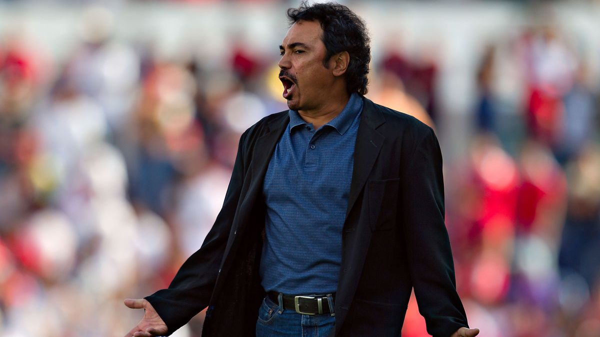 Hugo Sánchez es candidato para dirigir a Cruz Azul