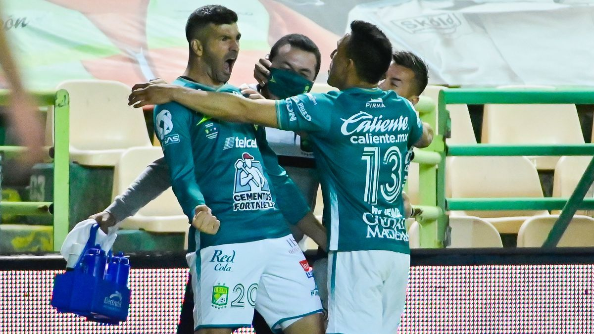 León ganó 2-0, la vuelta para dejar un global de 3-1.