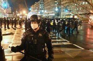 VIDEO: Protestas de simpatizantes de Trump dejan varios heridos y detenidos