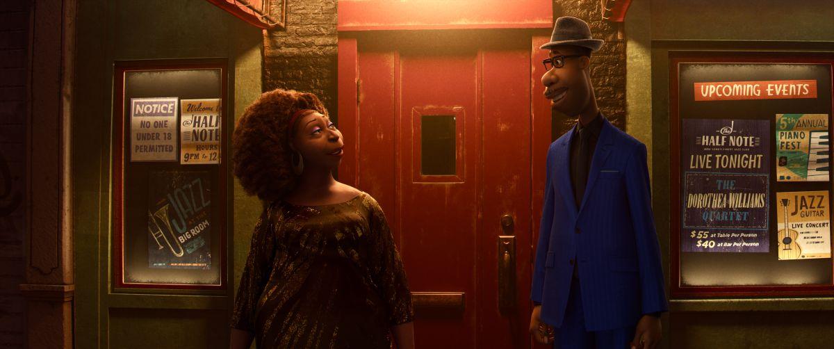 Dorothea Williams y Joe Gardner en la puerta del club de jazz en el que acaban de ensayar.