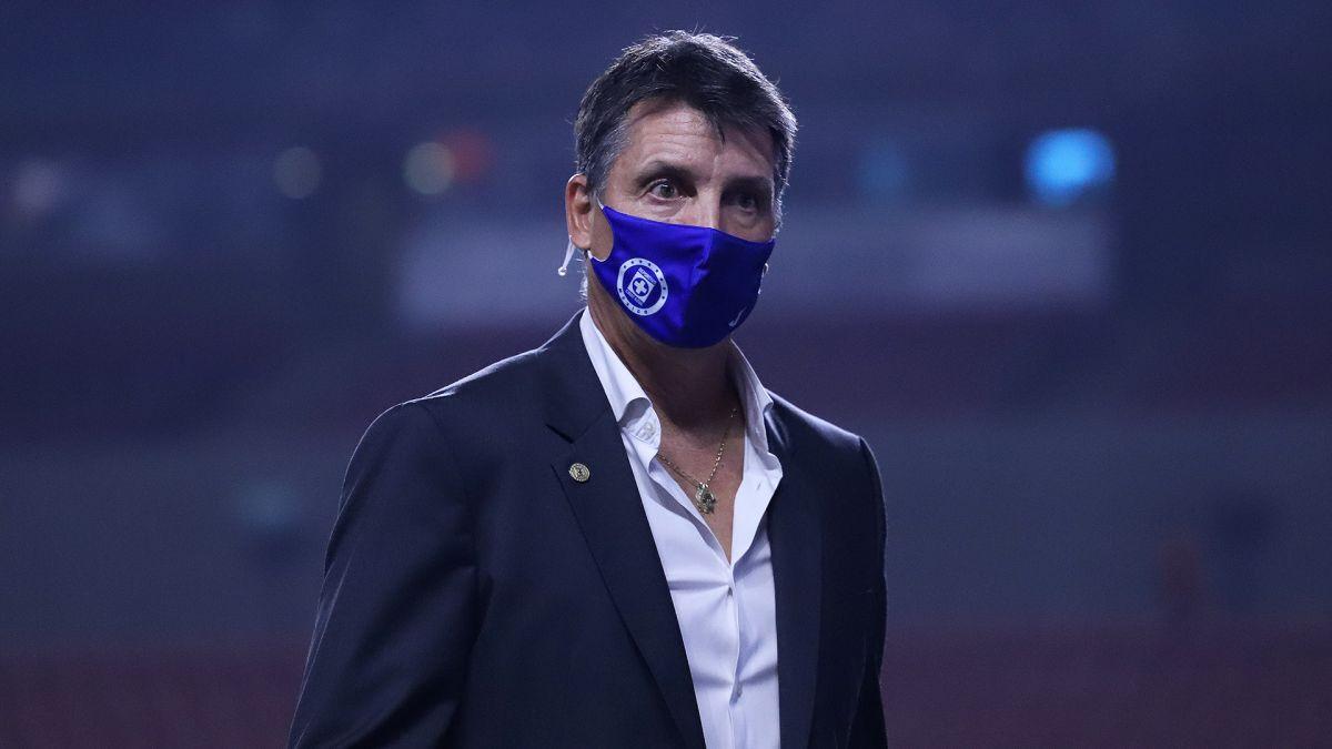 Bastaron 90 minutos para que Robert Dante Siboldi ya pueda ser considerado el peor técnico de Cruz Azul
