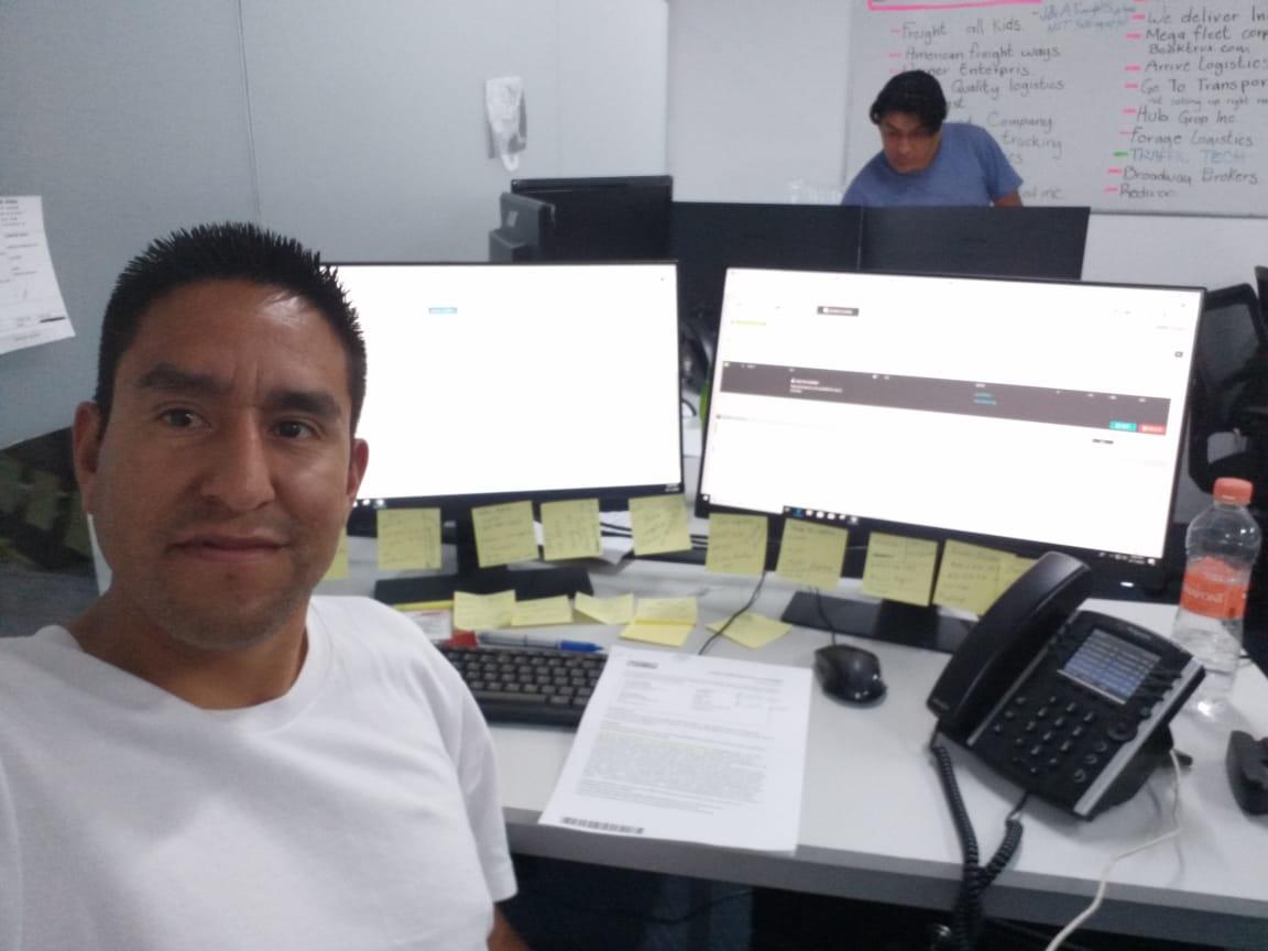 Carlos Ramírez en su centro de trabajo.