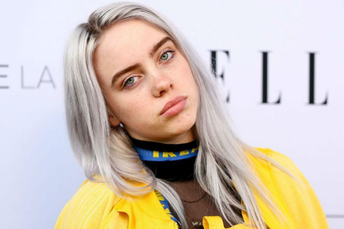Billie Eilish posa en lencería de látex y llena de transparencias, mostrando su lado sensual