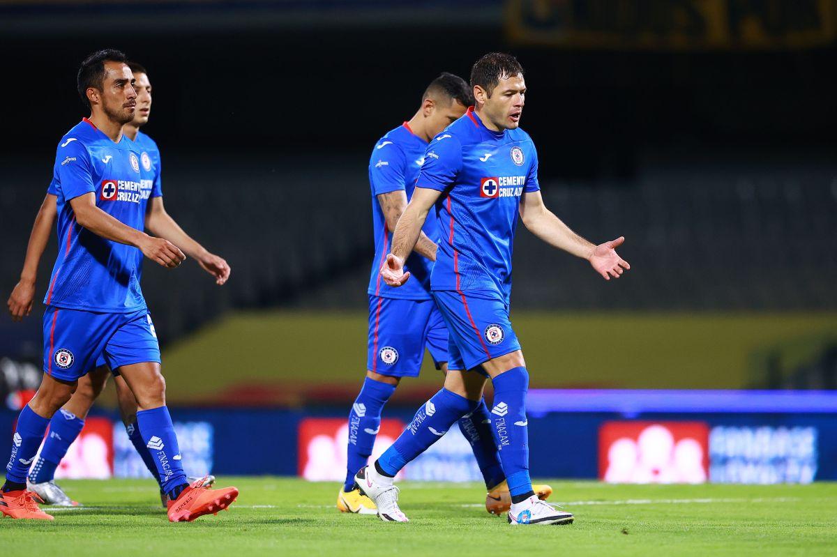 Fútbol de estufa: Cruz Azul pondría a todos los jugadores transferibles