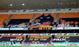 """""""La fuerza del Lobo está en la manada"""":  impresionante homenaje del Wolverhampton a Raúl Jiménez"""