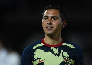Versiones contradictorias: Santiago Baños dice que Paul Aguilar mintió sobre su salida del América