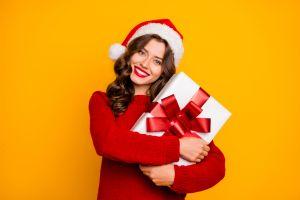 5 carteras de marcas famosas que te puedes regalar a ti misma esta Navidad